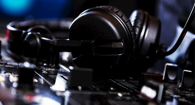 Use DJ headphones as Gaming or Audio Headphones