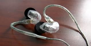 Shure SE215-K Earphones Wired