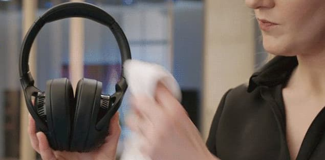 Clean your headphones the right way